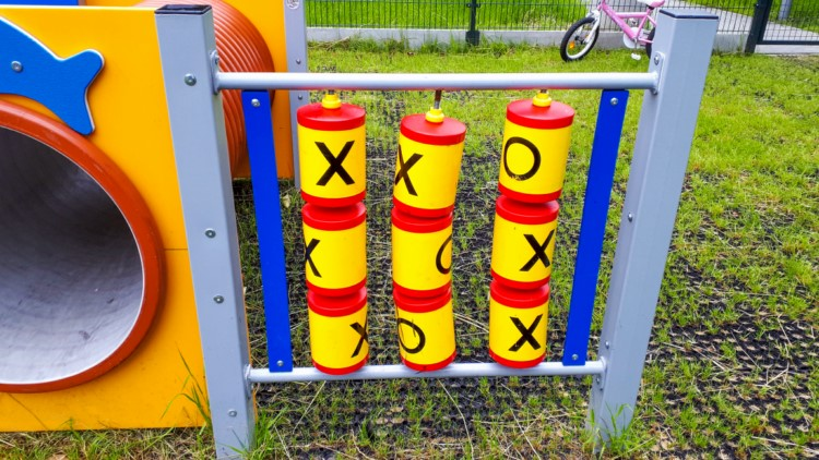 gry dla dzieci na placu zabaw
