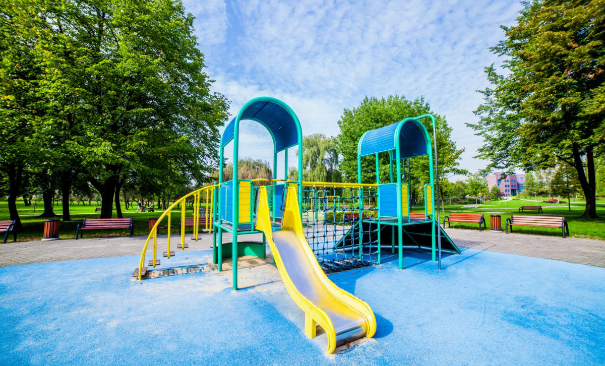 Plac zabaw dla dzieci w Parku Alojzego Budnioka Katowice Koszutki