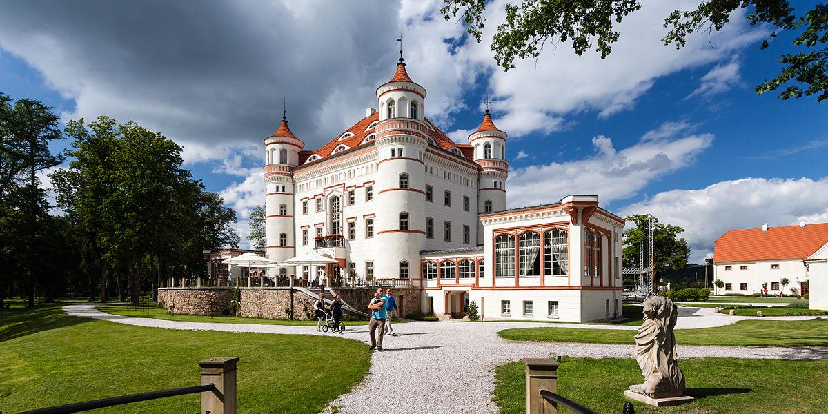 atrakcje dla dzieci na dolnym śląsku pałac w wojanowie