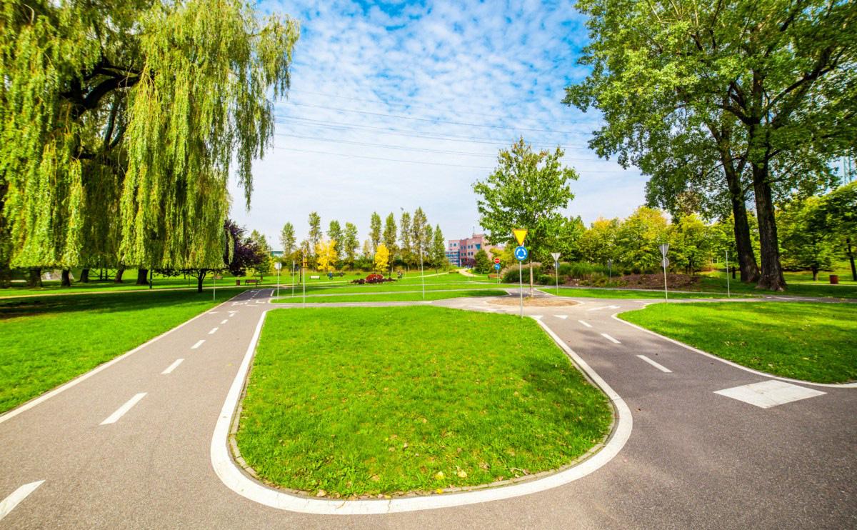 Miasteczko ruchu drogowego w Parku Alojzego Budnioka w Katowicach